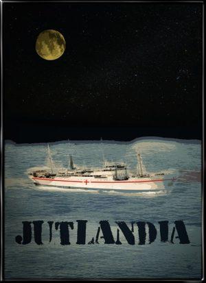 Plakat af hospitalsskibet Jutlandia om natten i de koreanske farvande under Koreakrigen. Grafisk inspireret plakat af Kim Larsens udødelige sang fra 1986